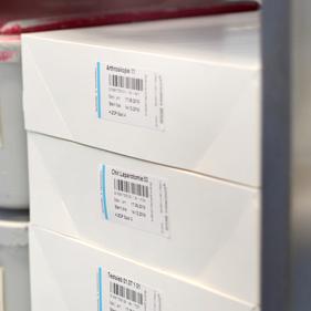 alpha med GmbH - sterilisationsbeständige Etiketten mit Indikator nach ISO 11140 für alle Druckertypen und Größen